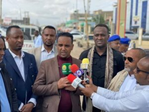 Ethiopia's Somali regional minister of culture greeted at Tog Wajale border between SL and Ethiopia